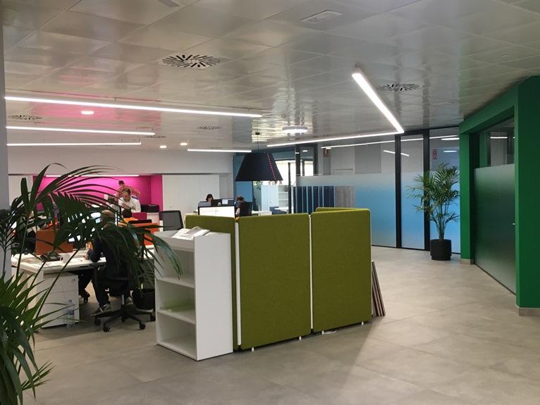 instalacion electrica y redes informaticas en oficina atelma