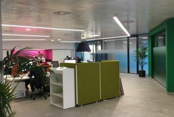Instalación eléctrica y redes informáticas oficinas Satergraf